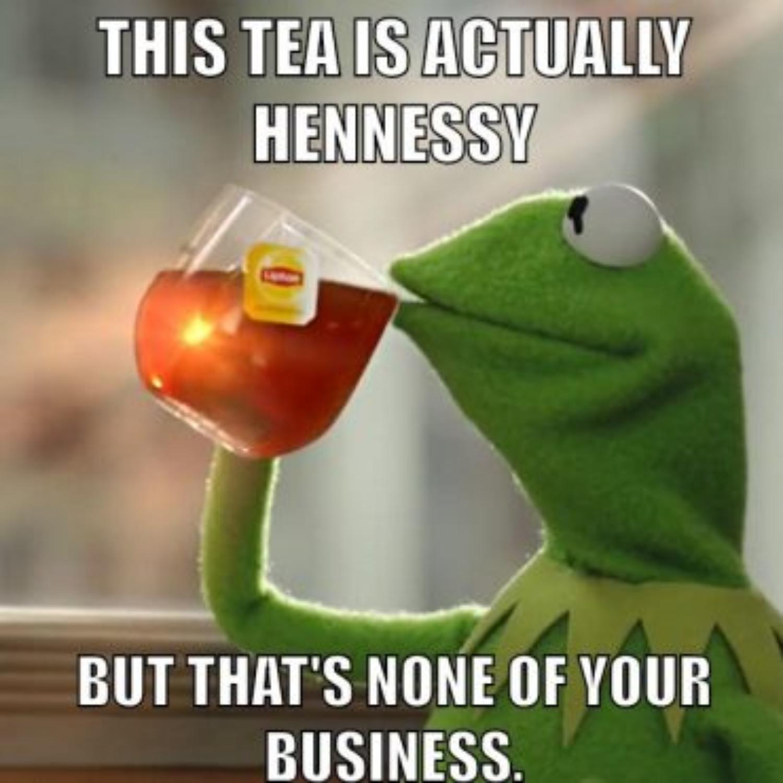Kermit der Frosch trinkt Cognac